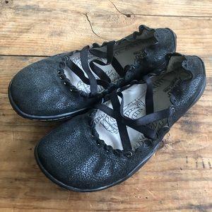 Jambu 7.5B Kettle Too Black Mary Jane Flats